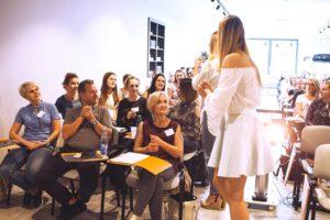 Właścicielki nowych studiów i ich pracownice podczas szkolenia dla nowych gabinetów od studio figura